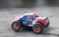 Hilton Double Tree zabawa Monster Truckiem RC